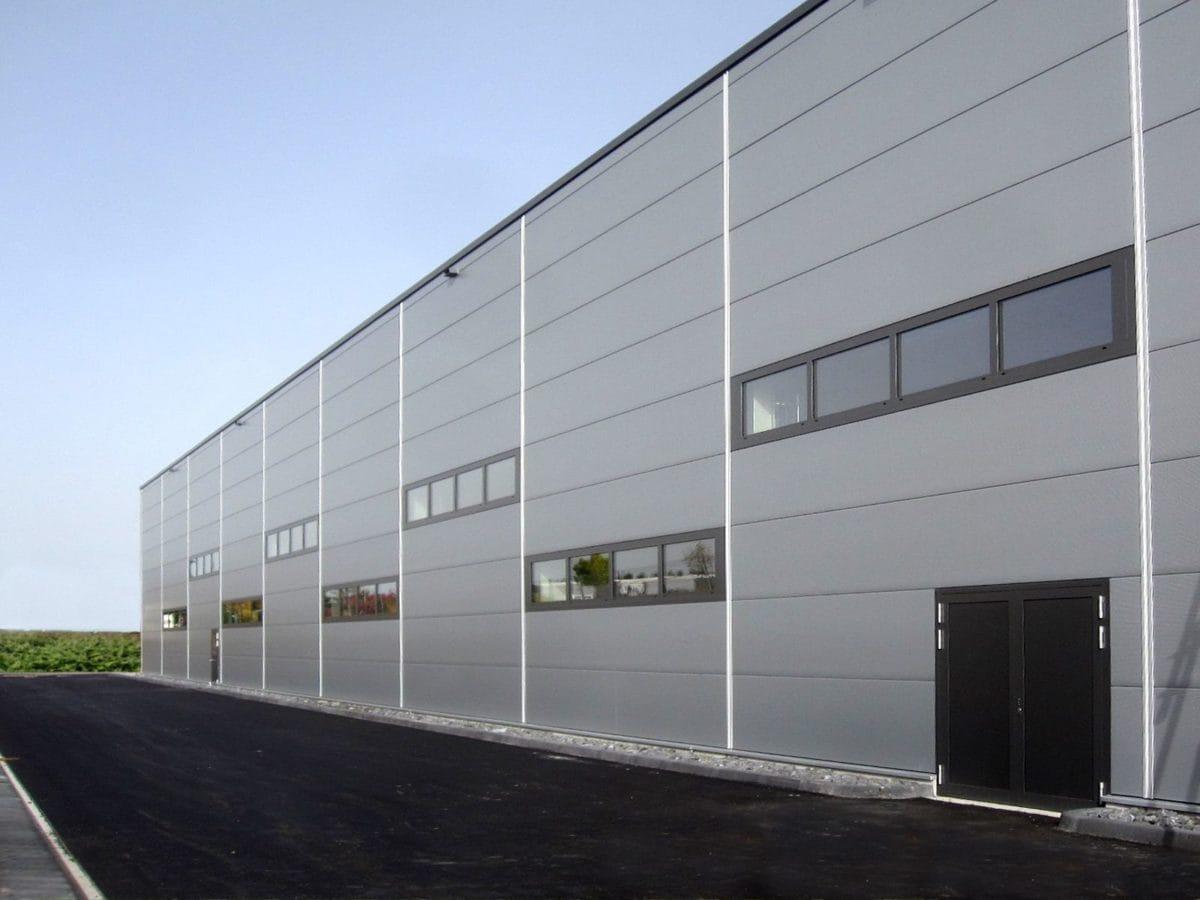 Neubau Bürogebäude und Montagehalle | Fassade