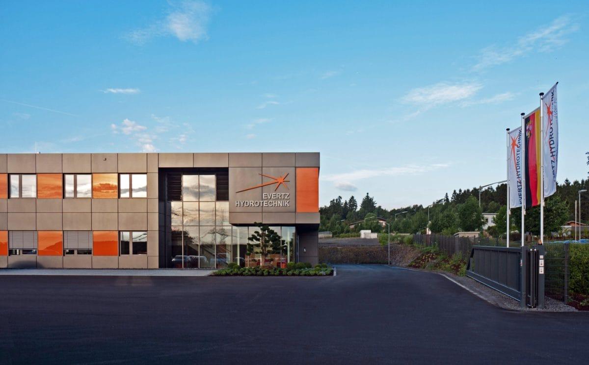 Neubau Bürogebäude und Montagehalle