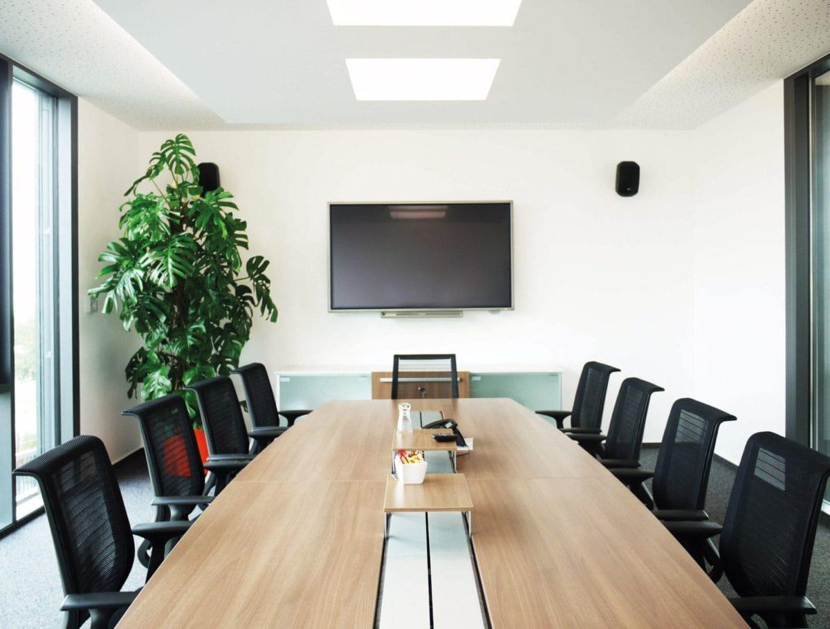 Neubau Bürogebäude und Montagehalle | Besprechung