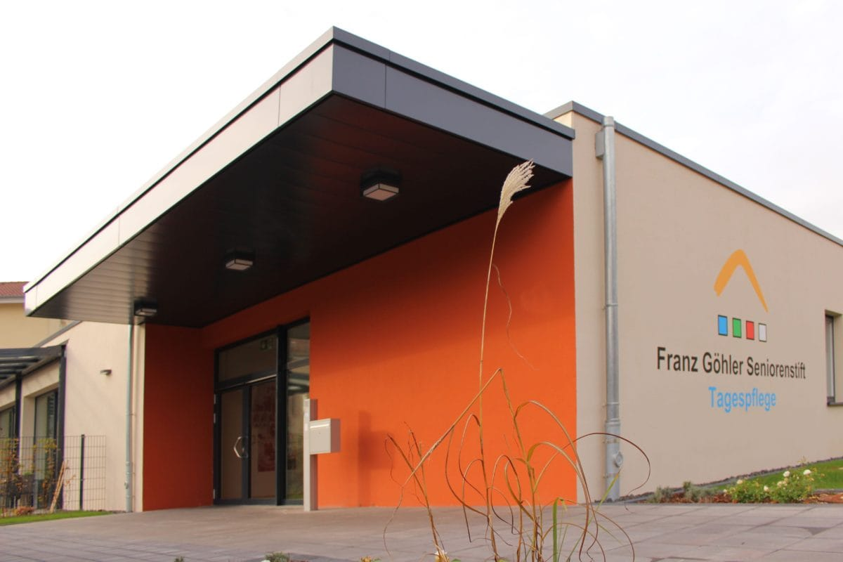 Neubau Tagespflege in modularer Bauweise, zertifiziertes Passivhaus | Eingang