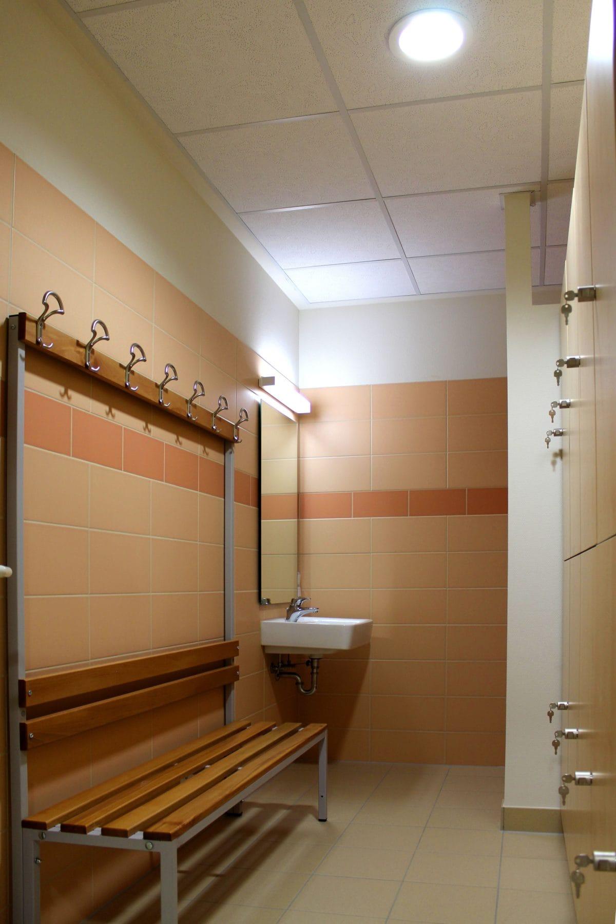 Neubau Tagespflege in modularer Bauweise, zertifiziertes Passivhaus | Umkleide