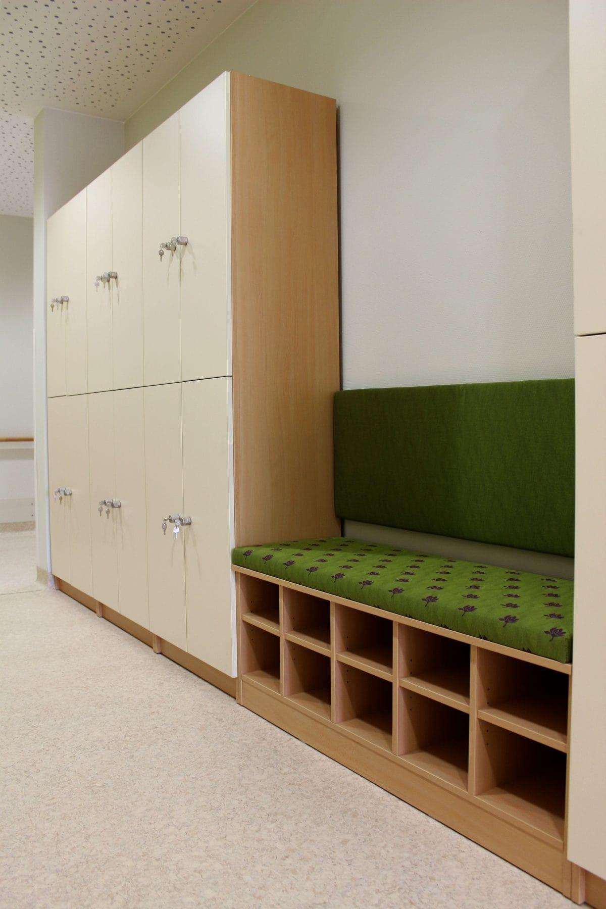 Neubau Tagespflege in modularer Bauweise, zertifiziertes Passivhaus | Wandelgang