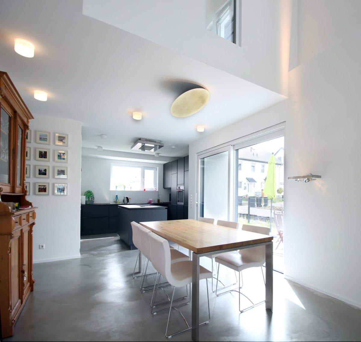 Neubau Haus in Bonn | Esszimmer, Luftraum